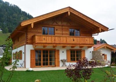 Neubau mit Terrassengestaltung