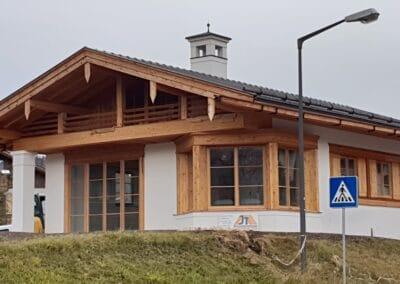 Neubau im alpinen Stil